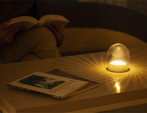 日常に癒やしの空間を生み出すLEDヒーリングライト、Arom (アローム)。12月から発売中。